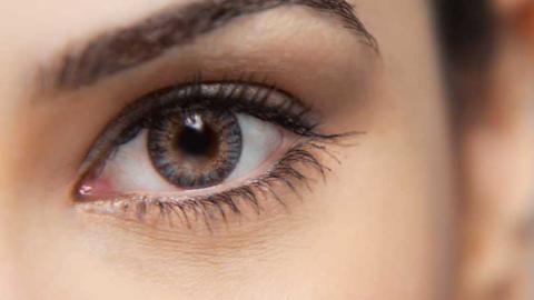 Via le borse e le rughe sotto gli occhi con la blefaroplastica